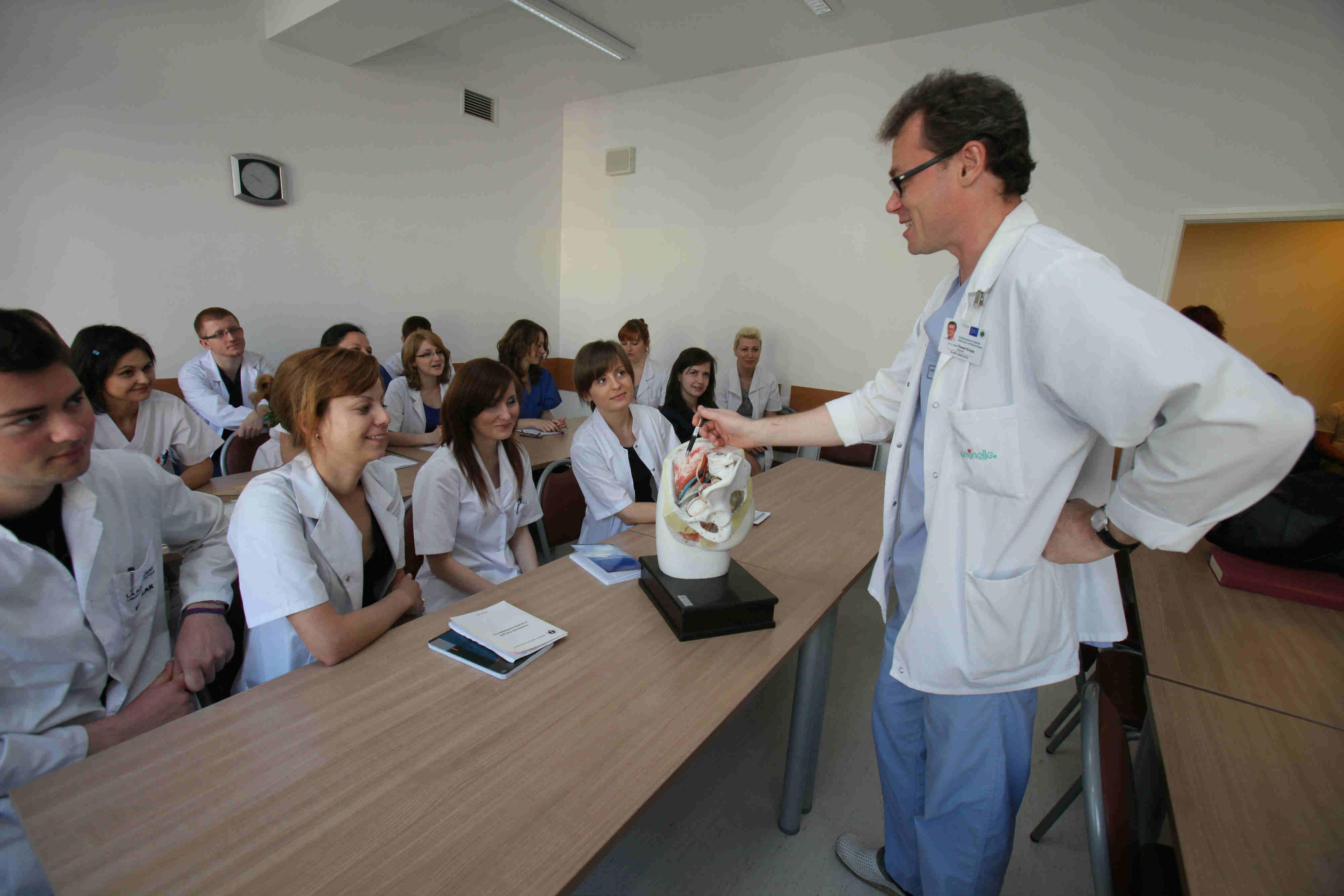 Zajęcia kliniczne w Uniwersyteckim Szpitalu Klinicznym.